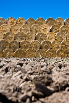 Free Straw Bales Stack Stock Photo - 20812880