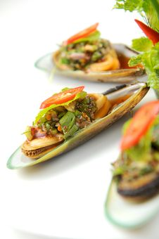 Free Mussels White Plate Royalty Free Stock Image - 20813576