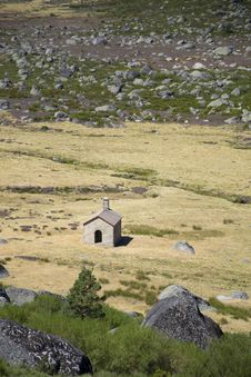 Free A Small Chapel In The Estrela Mountain, Portugal Royalty Free Stock Images - 20814969