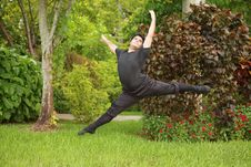 Free Male Ballerina Dancing In The Park Royalty Free Stock Photo - 20820445