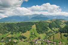 Free Idyllic Valley In The Romanian Mountains Stock Image - 20824681