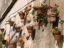 Free Typical Wall Planter Pots Tuscany Italy Style Royalty Free Stock Photos - 20824998