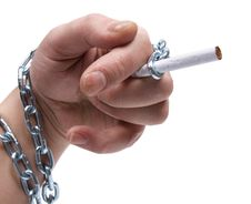 Free Metal Chain And Cigarette Royalty Free Stock Photo - 20827375