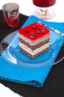 Vanilla And Raspberry Cream Cake Royalty Free Stock Photos