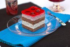 Free Vanilla And Raspberry Cream Cake Royalty Free Stock Images - 20829589
