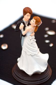Free Bride And Groom Cake Topper Royalty Free Stock Photography - 20829697