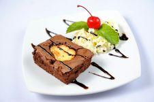 Free Chocolate Cake With Cherry Royalty Free Stock Photos - 20830438
