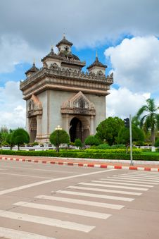 Free Patuxai Monument Royalty Free Stock Photos - 20830808