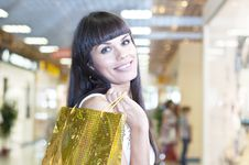 Free Beautiful Woman With Shopping Bags Royalty Free Stock Photos - 20831958