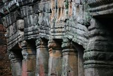 Free Alignment Of Columns In A Temple In Angkor Stock Photography - 20833662