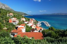 Free Gorgeous Azure Scenic View On Podgora In Croatia Royalty Free Stock Photo - 20834675