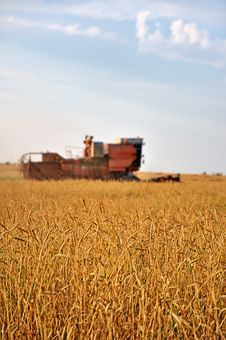 Free Harvester In The Field Stock Photography - 20835282