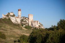Free Old Castle Ruins Near Czestochowa Royalty Free Stock Photography - 20835737