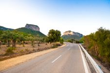 Free Road To The Hills Royalty Free Stock Photos - 20836148
