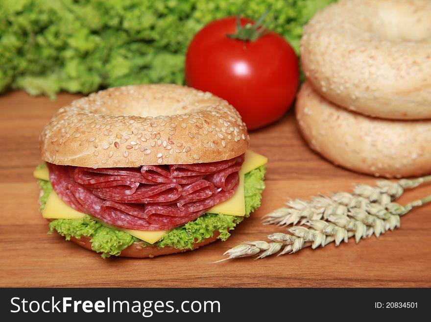 Bagel with salami