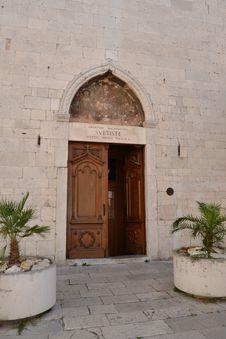 Free Door Of The Church Of Sibenik Royalty Free Stock Images - 20841529