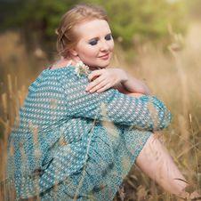 Free Beautiful Woman In Field Stock Photo - 20846800