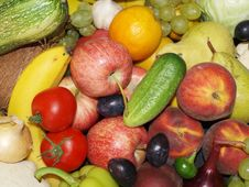 Free Fruits And Vegetables Royalty Free Stock Photos - 20849428