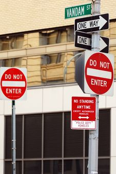Free New York City Street Signs Royalty Free Stock Photos - 20850518