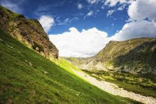 Free Mountain Side With Green Grass Royalty Free Stock Images - 20850679