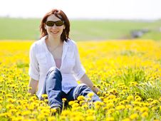 Free Woman Is Sitting In A Beautiful Meadow Royalty Free Stock Image - 20855046