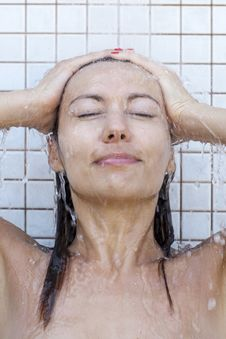 Free Woman Taking A Shower Stock Images - 20856094