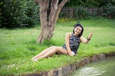 Free The Girl On A Grass Royalty Free Stock Images - 20858509