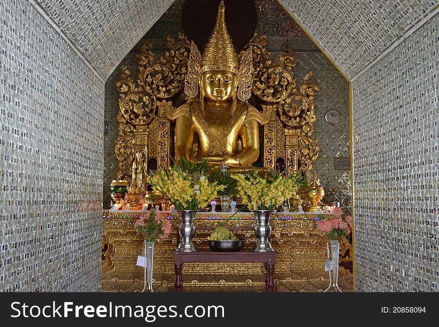 Budha staue in Burmese pagoda