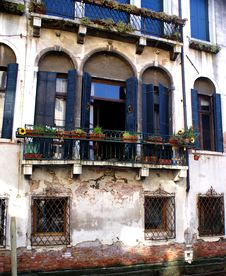 Free Old House In Venice Royalty Free Stock Image - 20860786