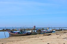 Free Fishing Boats By The Beach,Thailand Stock Photo - 20868040