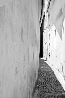 Black And White Image Of A Narrow Old Alley Royalty Free Stock Images