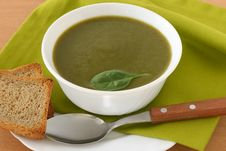 Free Spinach Soup With Toast Stock Images - 20869614