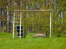 Free Red Garden Swing Royalty Free Stock Images - 20874519