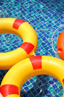 Free Life Buoy In Swimming Pool Royalty Free Stock Photos - 20879168