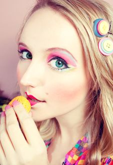 Free Girl Loves Colorful Macaroons Stock Image - 20880111