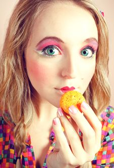 Free Girl Loves Colorful Macaroons Royalty Free Stock Image - 20880206