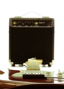 Free Retro Electric Guitar And Amplifier Stock Photos - 20880883