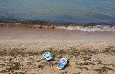 Free Beachfront Shoes Stock Images - 20889624