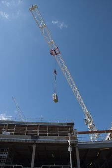 Free White Construction Crane Royalty Free Stock Photo - 20889725