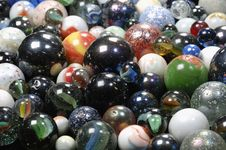 Free Glass-balls Background In All Dimensions Stock Photography - 2090922