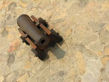 Free Historical Cannon Royalty Free Stock Images - 2094859