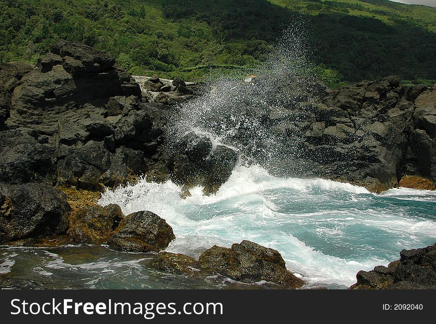 Sea, surf, waves, stones, spray