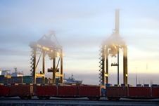 Free Harbor Cranes In Early Morning Royalty Free Stock Photography - 20900967