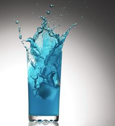 Free Splashes From A Glass With Water Stock Images - 20902484