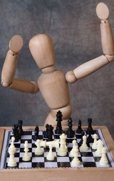 Free Mannequin Playing Chess Stock Photography - 20903192