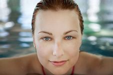Free Young Woman In The Pool Stock Image - 20904021