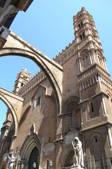 Free Chatedral In Palermo Royalty Free Stock Photos - 20904208
