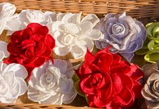 Free Handmade Flax Clothes Roses Royalty Free Stock Images - 20906849