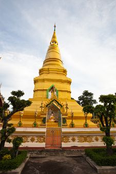 Free Golden Pagoda In A Temple Stock Photo - 20907670