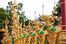 Free Swan Statue In Temple Stock Images - 20907774